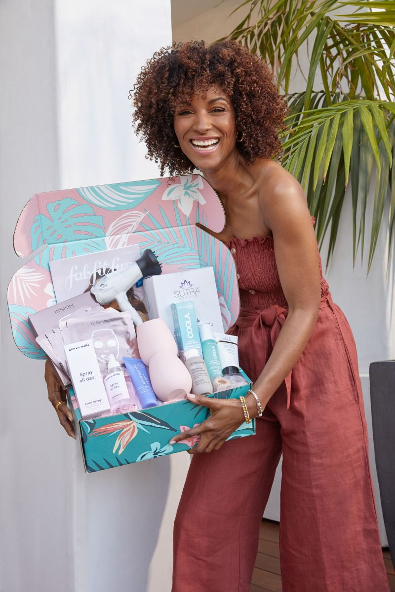 DeluxHair - FabfitFun Summer Box for 2019