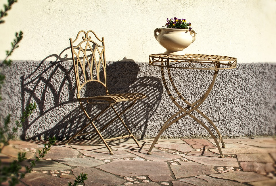 How to make your old wrought iron look new  The Deluxe
