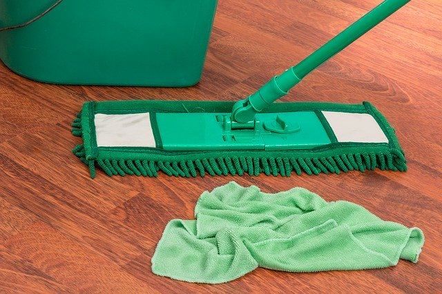 mop cleaning wood floor