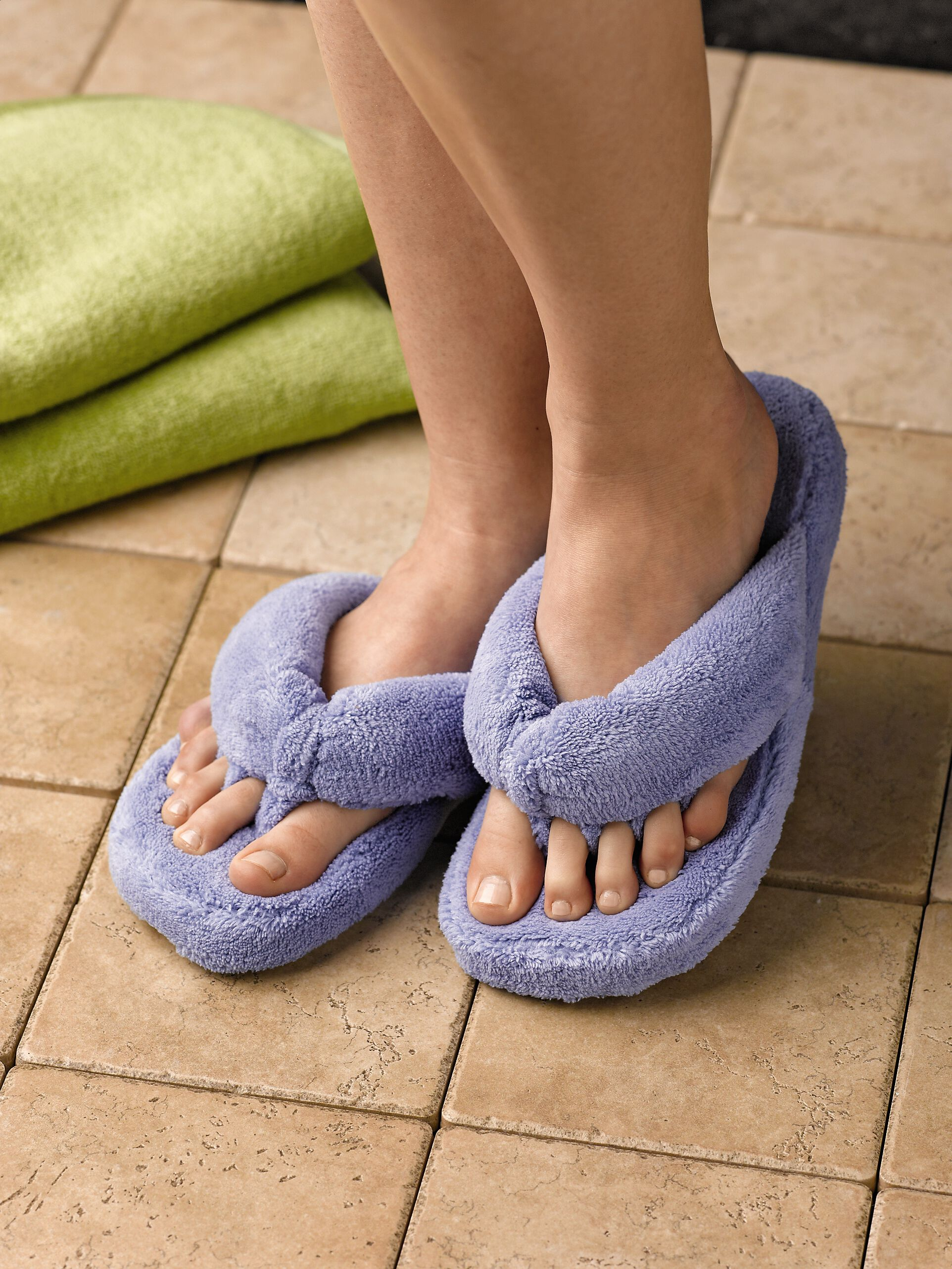 Spa Slippers With Plush Memory Foam Acorn Gardener'