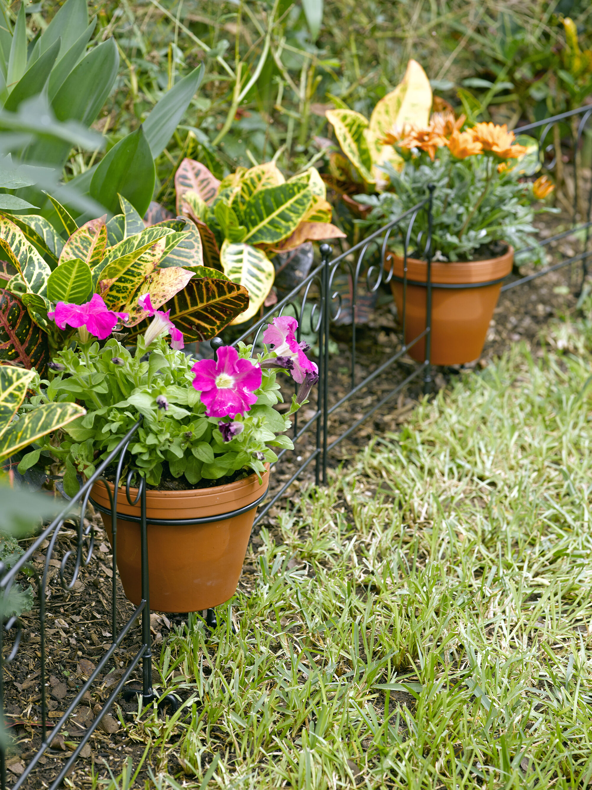 Flower Pot Holder Garden Edging Set of 3  Gardenerscom