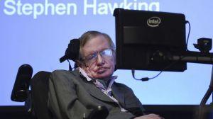 Stephen-Hawking-actualiza-sistema-comunicarse_TINIMA20141202_1150_5