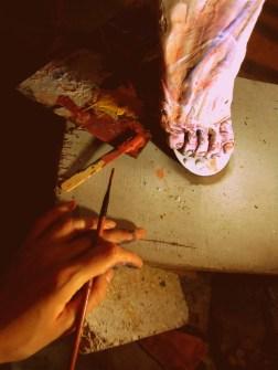 lifesize woman sculpture escultura mujer tamañonatural resin resinpolyester resinapolyester feet foot pies