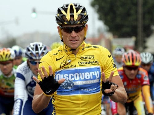 Lance Amstrong con el maillot amarillo
