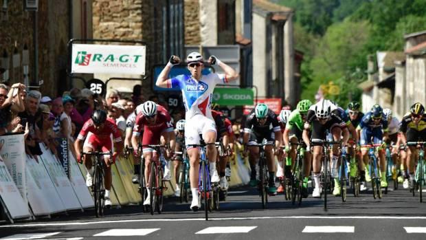 Arnaud Démare gana en la segunda etapa del Criterium Du Dauphine