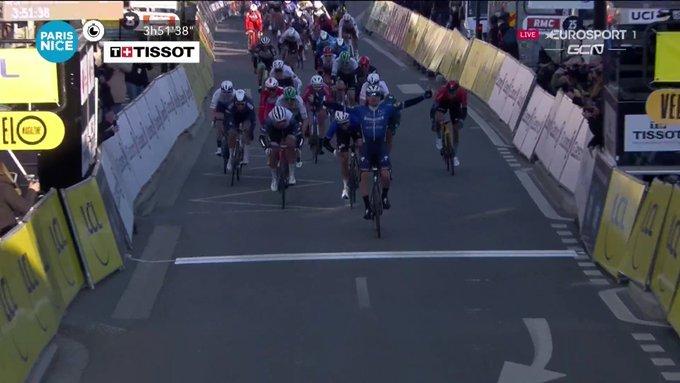 Sam Bennet gana la primera etapa de la París - Niza 2021
