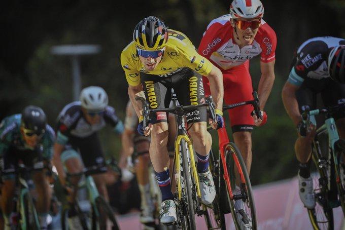 Primoz Roglic en el sprint de la sexta etapa
