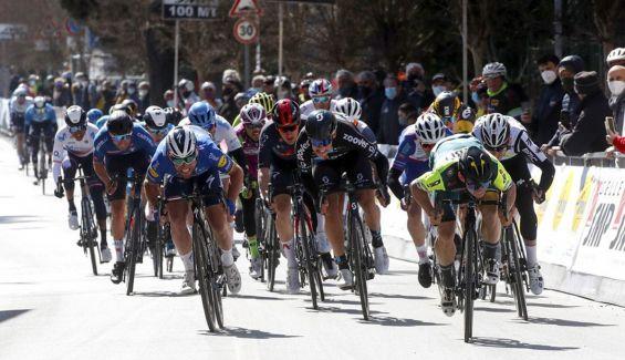 Jakub Marezcko se lleva el sprint en la primera jornada de la Semana Coppi y Bartali