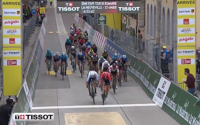 Sonny Colbrelli gana la segunda etapa del Tour de Romandía