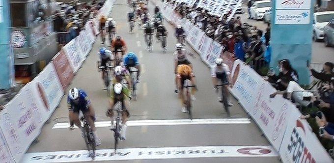 Cavendish gana la 8ª etapa del Tour de Turquía