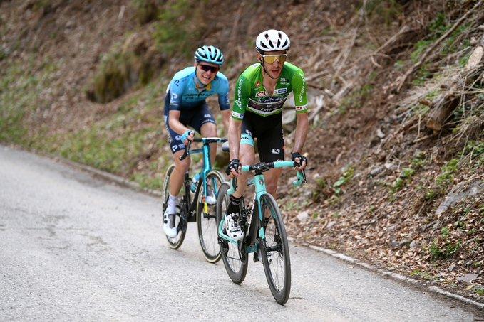 Simon Yates en el Tour de los Alpes
