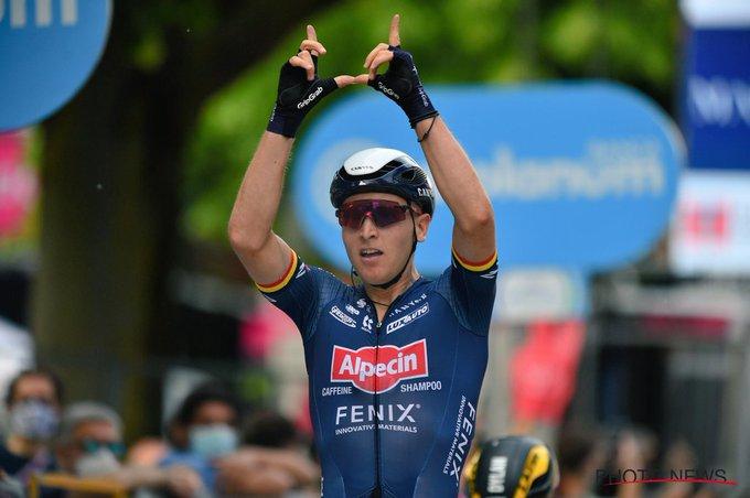 Tim Merlier gana la segunda etapa del Giro de Italia