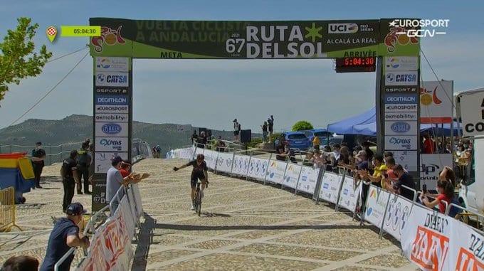 Ethan Hayter gana la segunda etapa de la Vuelta a Andalucía