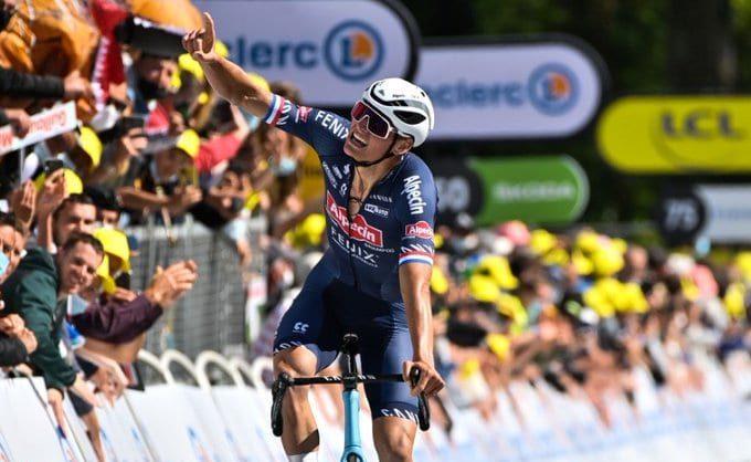Mathieu Van Der Poel gana la segunda etapa del Tour de Francia