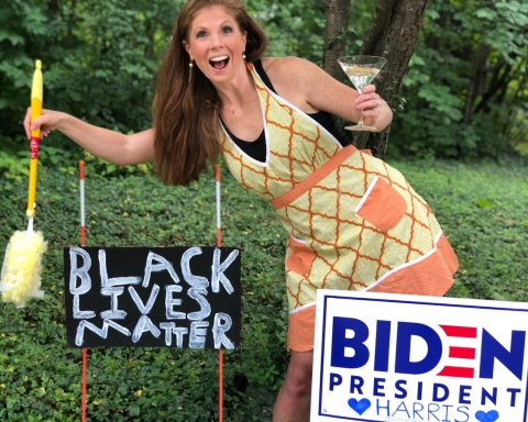 Suburban Housewife for Biden