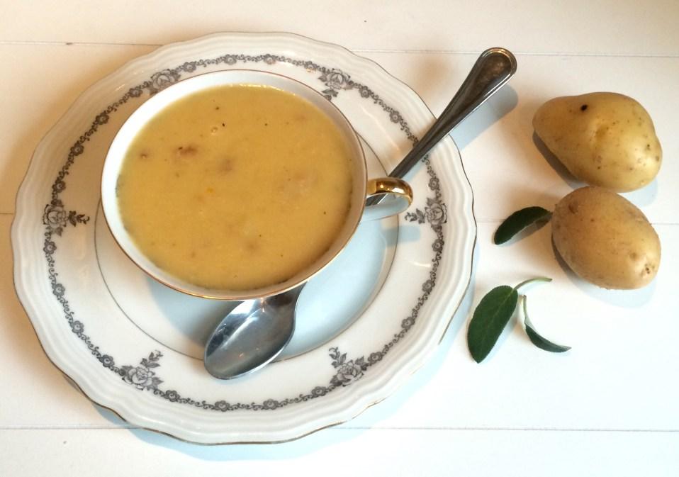 soep van witte bonen, aardappel en salie