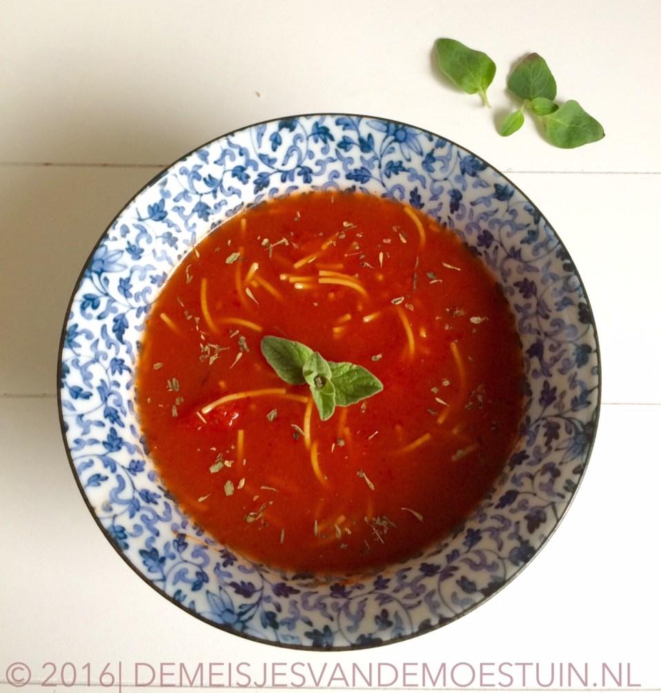 makkelijke Italiaanse tomaten-groentesoep