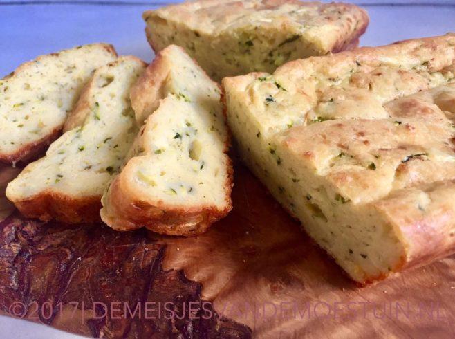courgettebrood met limoen en parmezaan