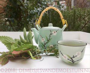 thee uit eigen tuin