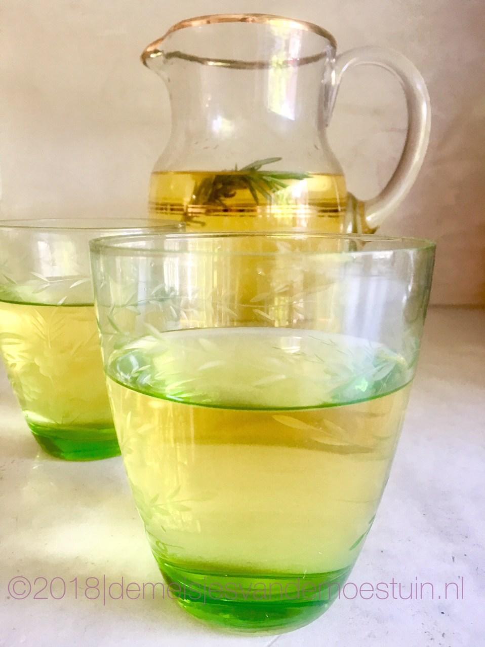 rozemarijn-citroen siroop