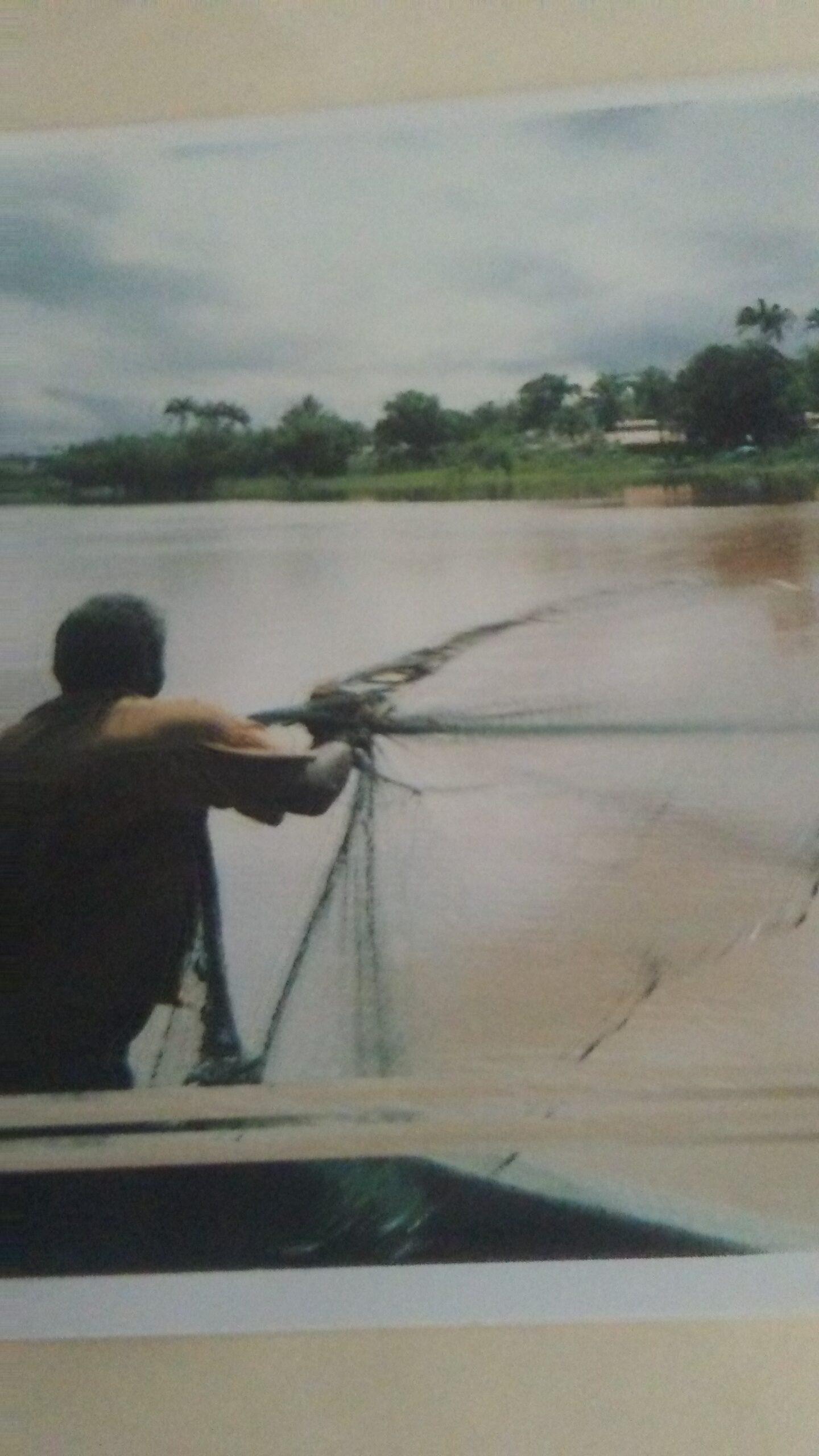 Cast net fishing