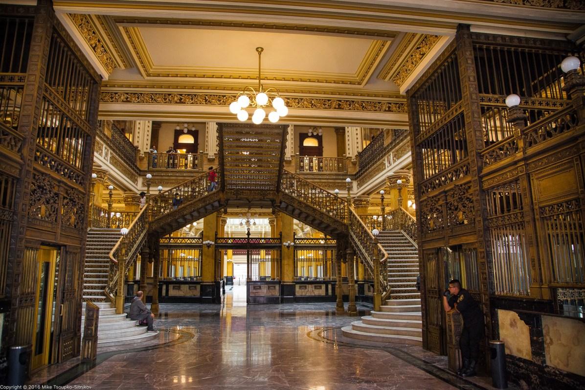 Inside the Palacio de Correos