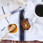 Mantel con café y miel