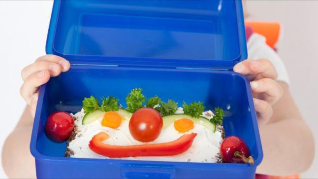 وجبتا إفطار أثناء الدراسة أفضل لصحة طفلك