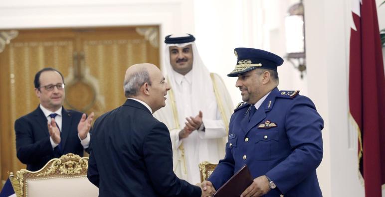 """قطر توقع صفقة شراء 24 مقاتلة """"رافال"""" الفرنسية"""