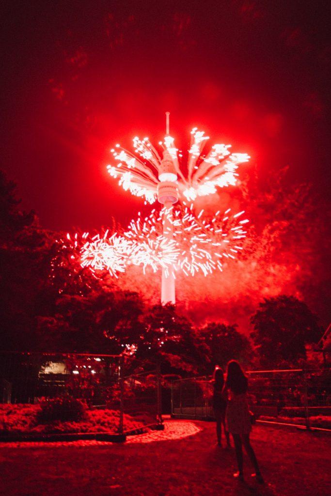 amusement-park-bright-celebration-2893331-148