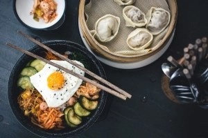 foodiesfeed.com__korean-bibimbap-yamyam-berlin