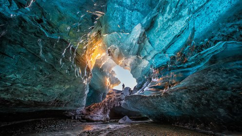 ice-caving-guide-to-iceland