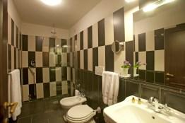 example-of-bathroom_8678746490_o