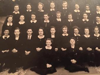 Clerkhill girls who supported the crew of HMS Hood. Pic from MT Rainey