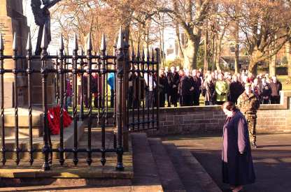 Jackie Baillie Remembrance Day 2009 4