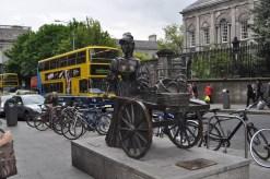 Molly MALONE outside Trinity College in Dublin