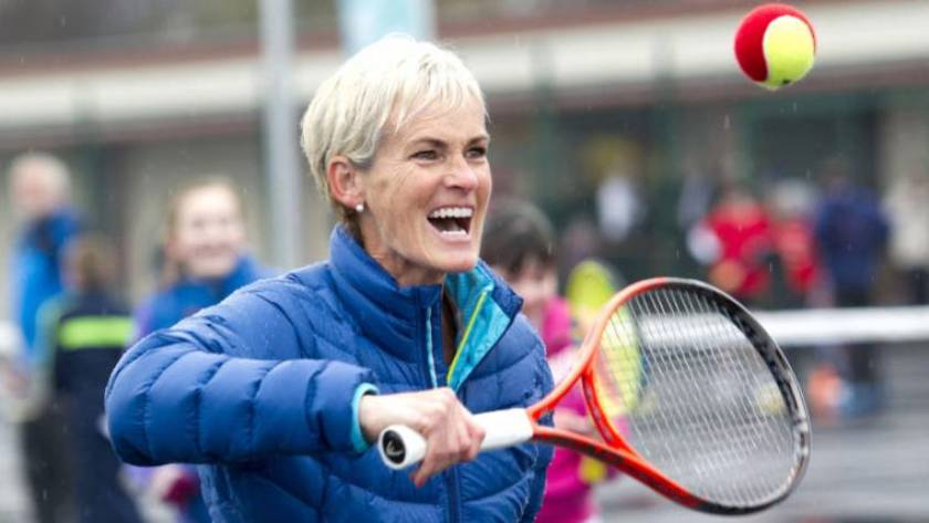 murray-gets-award-an-obe-for-services-to-tennis