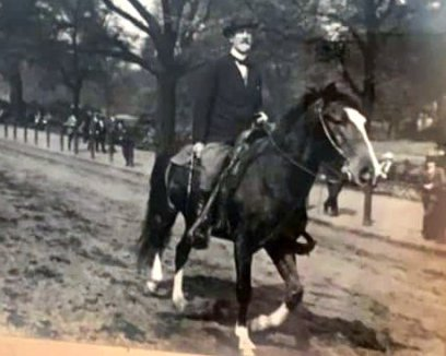 Don Roberto on Pampa in Rottenrow, London jpg