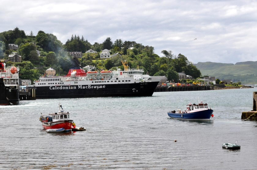 Oban 9 oor wee boat, Maid of the Firth, leaving Oban Harbour for Seal Island..jpg