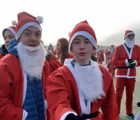 Santas 5.jpg 2