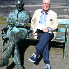 Bill and Patrick Kavanagh at the Grand Canal in Dublin