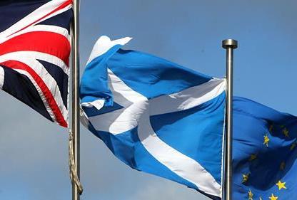 flags Saltiure and union flag