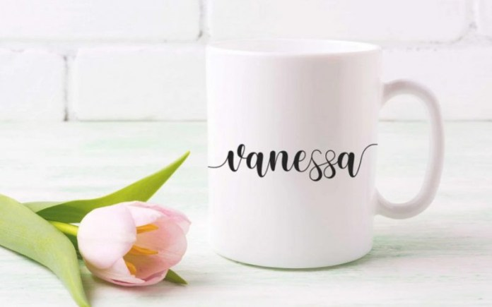 Sweetie Moment Calligraphy Font