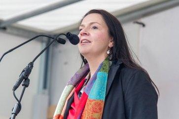 Birgit Kelle: »Ich möchte von hier von diesem öffentlichen Platz aus einen Appell richten an die ganze CDU in Baden-Württemberg: Kommt endlich runter von eurem Sofa und geht raus ins Getümmel.«