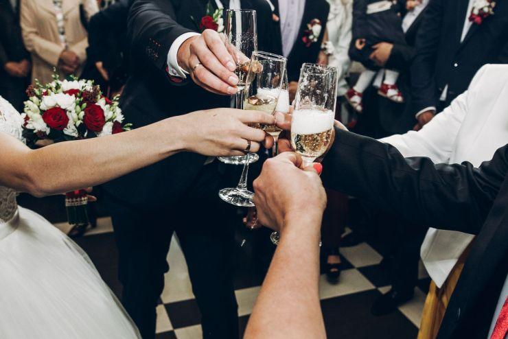 Comment réussir son discours en tant que témoin de mariage?
