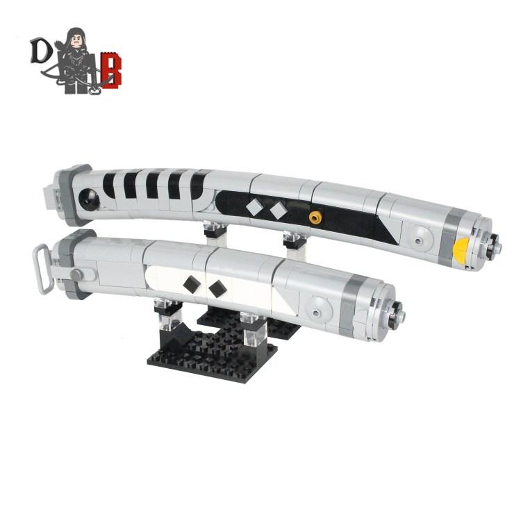 lego Ahsoka's curved white lightsaber hilts pic1