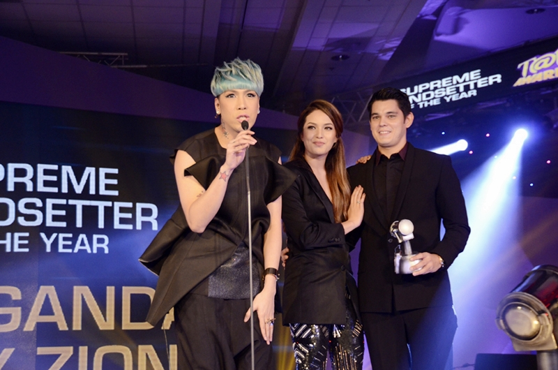 Richard Gutierrez, Sarah Lahbati and Vice Ganda for Supreme Trendsetter of the Year