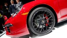 Porsche cabriolet GTS rueda
