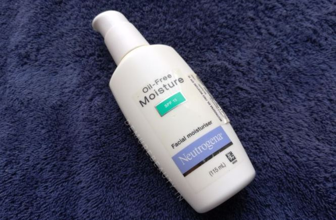 neutrogena oil free moisturizer review