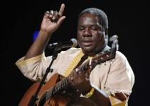 Vusi Mahlasela Biography, Age, Songs & Awards